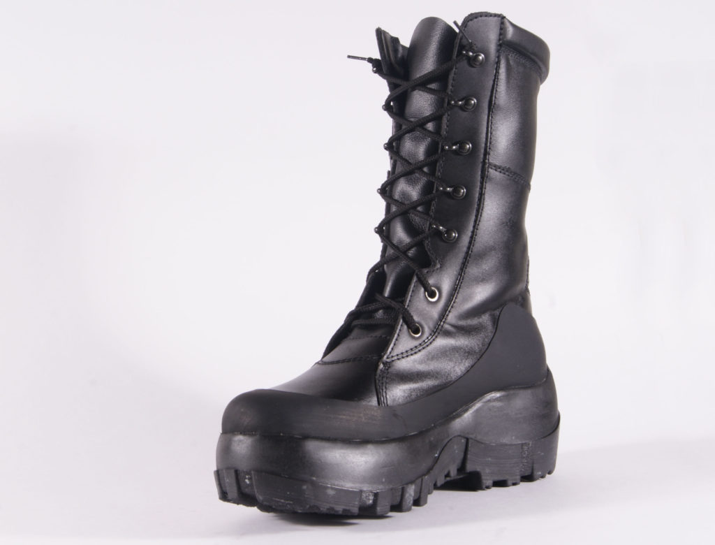 Anti-Mine Boots for Indumil. Design: Camilo Ayala-Garcia, Juan Pablo Casas. Bogotá, Colombia.